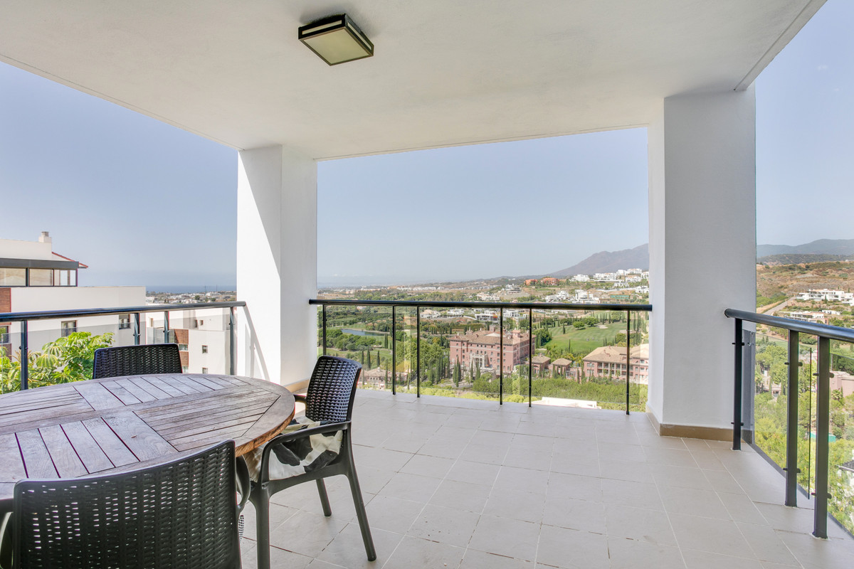 Modern and beautifully presented west facing apartment with views over the villa Paiderna golf cours, Spain