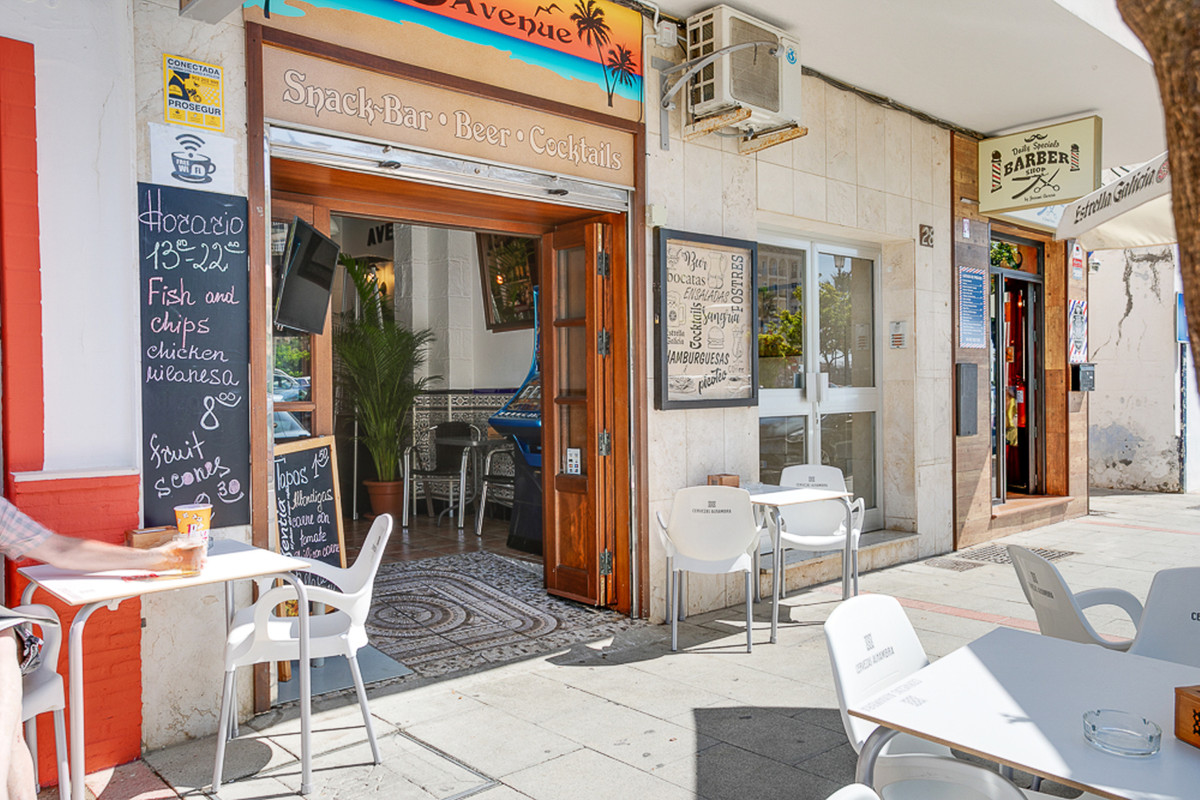 Commerce, Bar  en vente   et en location    à Estepona
