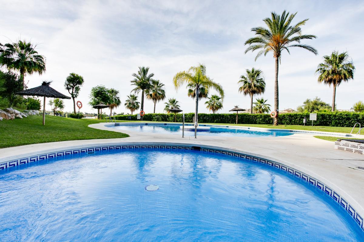Marbella Banus Apartamento en Venta en Selwo – R3870235