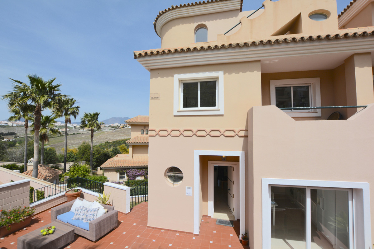 This 4 Bed Townhouse is located in the exclusive gated resort of La Vizcaronda. Located on a stunnin,Spain