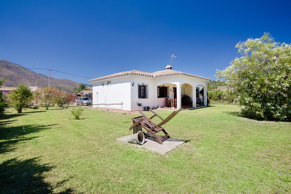 House - Estepona - R2945060 - mibgroup.es