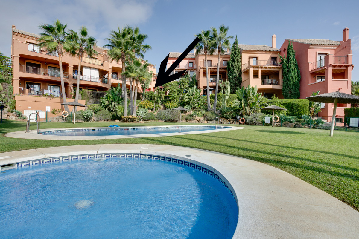 Fantastic ground floor apartment with 2 double bedrooms and both ensuite bathrooms, in the well know, Spain