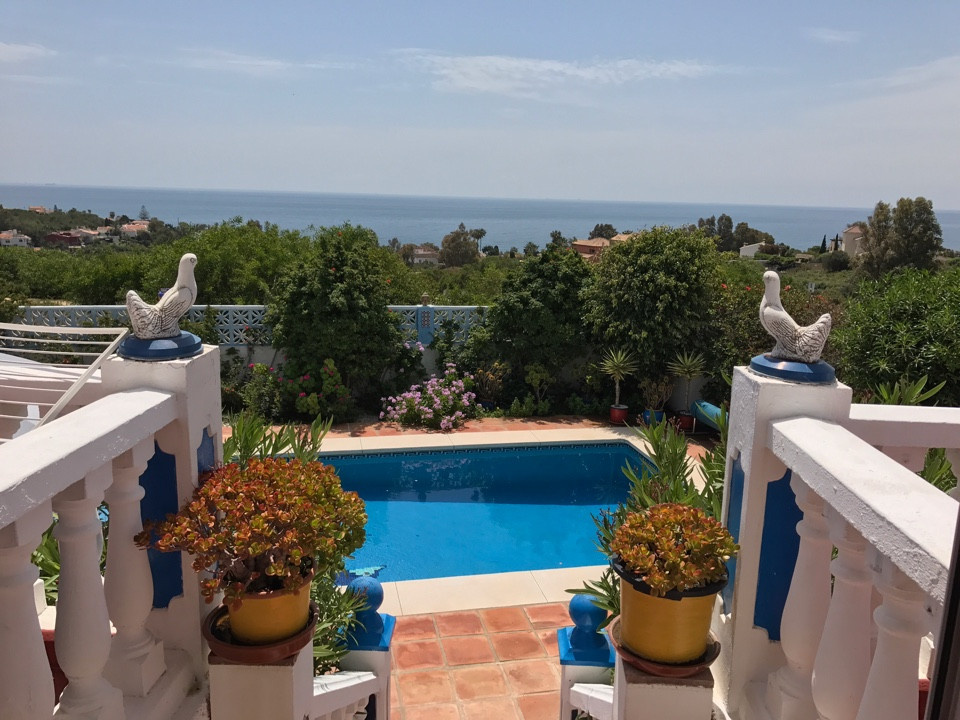 Detached Villa in a hillside urbanisation close to the beaches of Torreguardario. The house boasts a,Spain
