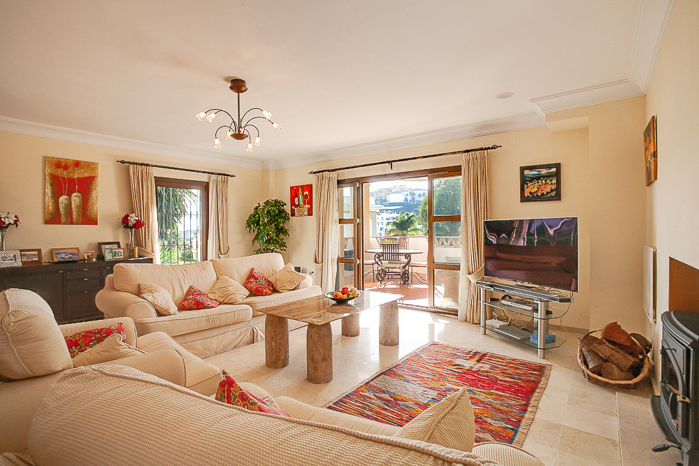 4 Bedroom Detached Villa For Sale New Golden Mile