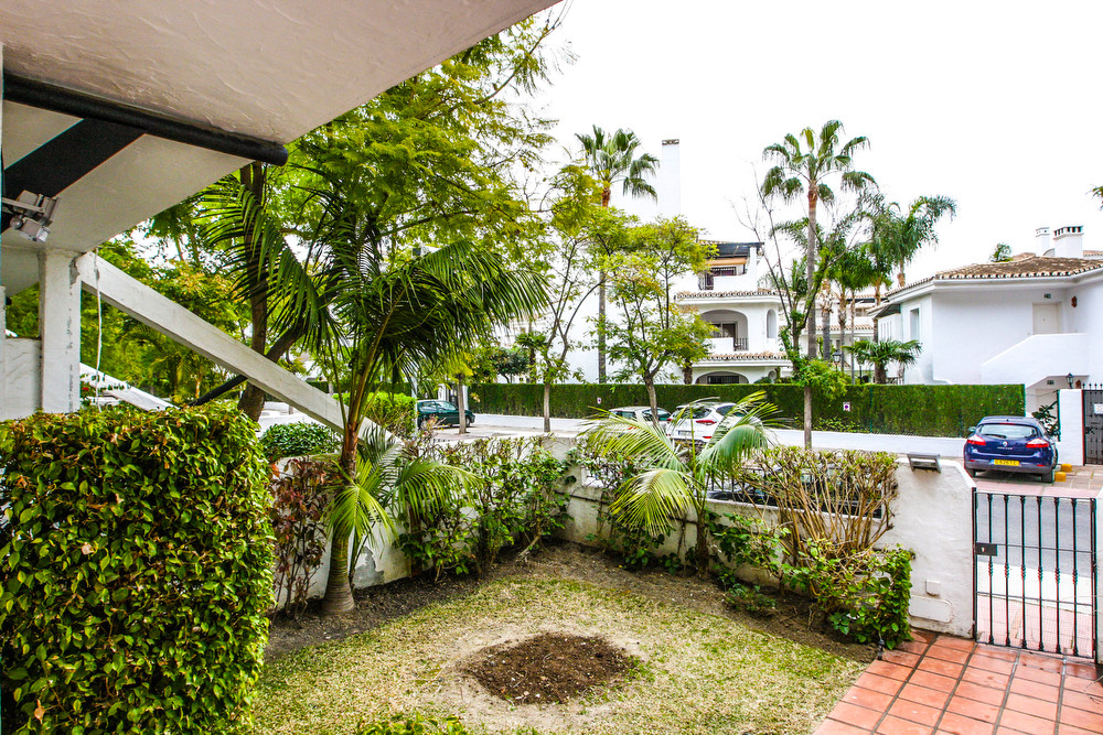 Alquilado hasta final de 2018 !  Beautiful townhouse in one of the most famous areas of Marbella nex,Spain