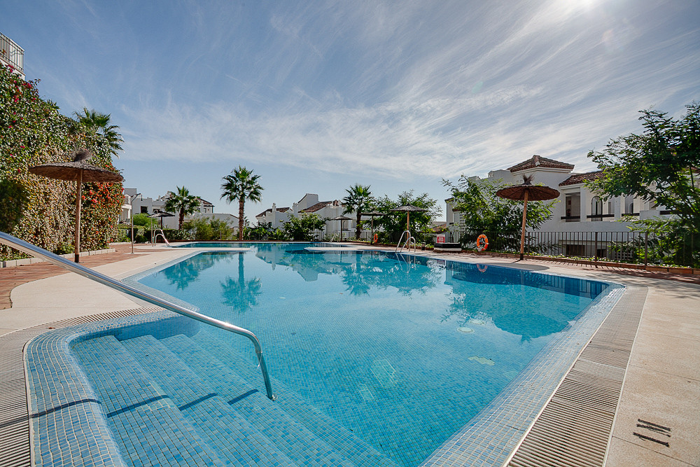 Fantastic ground floor apartment with sea and golf views.  This lovely apartment features 3 bedrooms, Spain