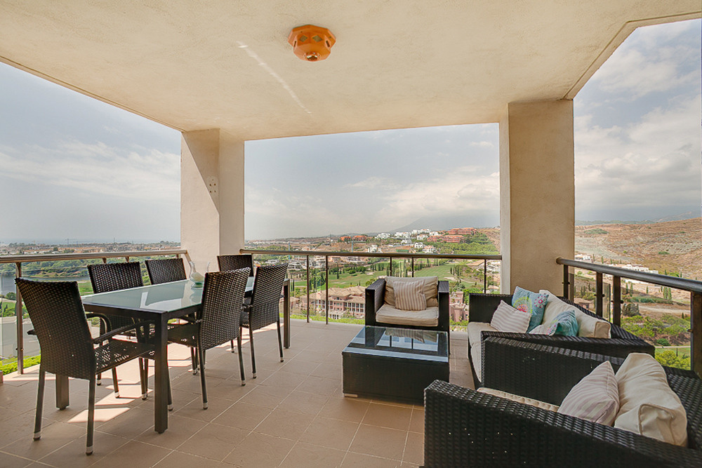 Modern west facing apartment with views over the villa Paiderna golf course and out to sea. This lov,Spain