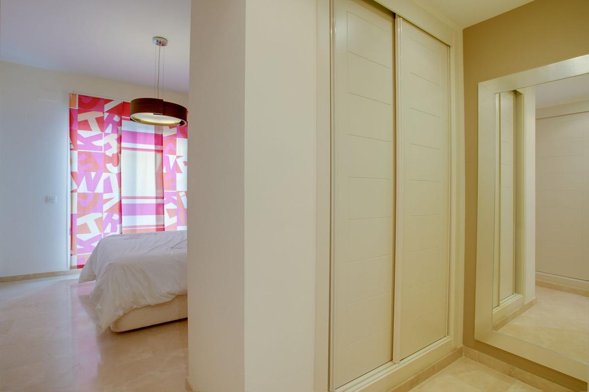 Apartamento con 4 Dormitorios en Venta Valle Romano