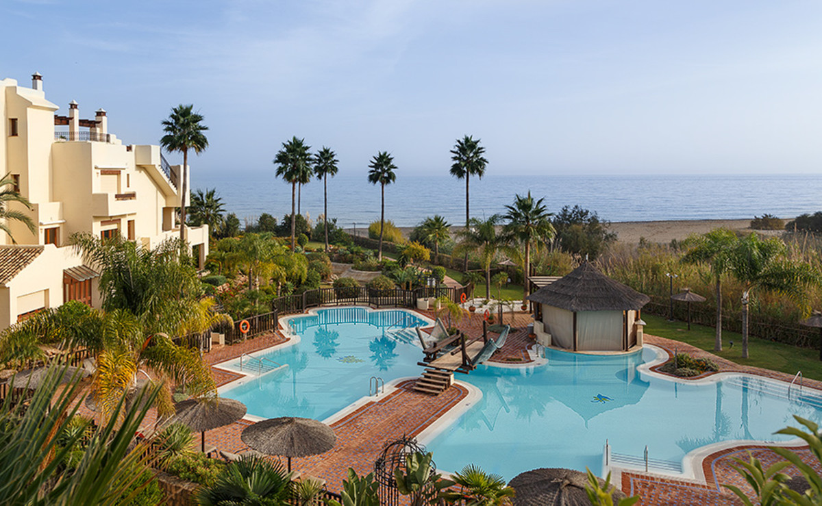 Ref:R3377878 Penthouse For Sale in Estepona