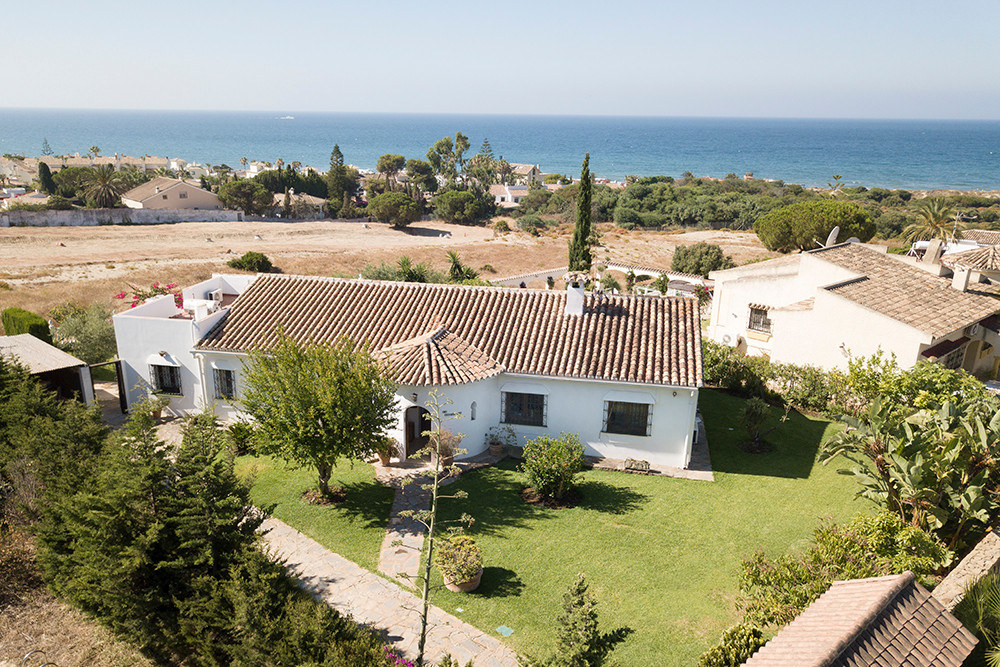 Beachside villa with stunning sea views! It is not easy to find such a property where you can walk t, Spain