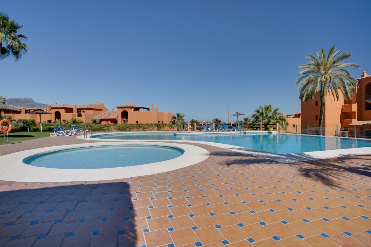 Marbella Banus Apartamento Planta Media en Venta en Benahavís – R3426619