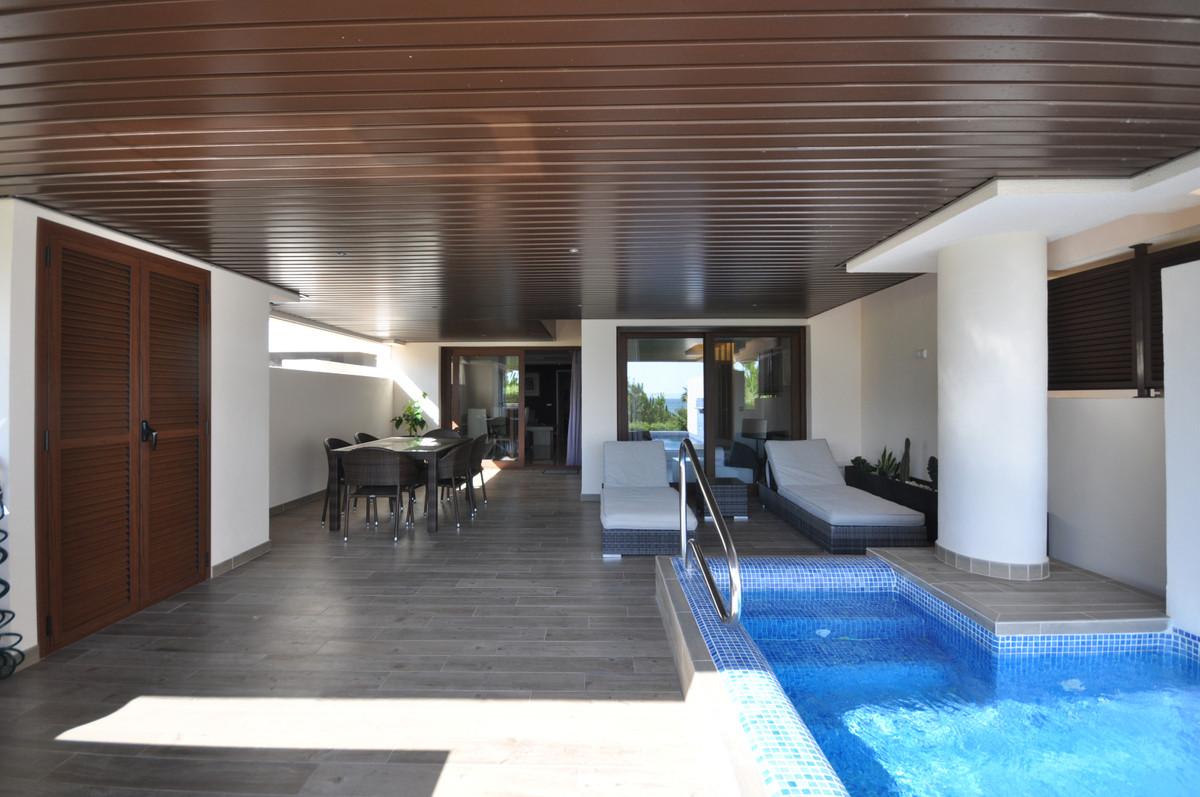 Marbella Banus Apartamento en Venta en New Golden Mile – R3703610