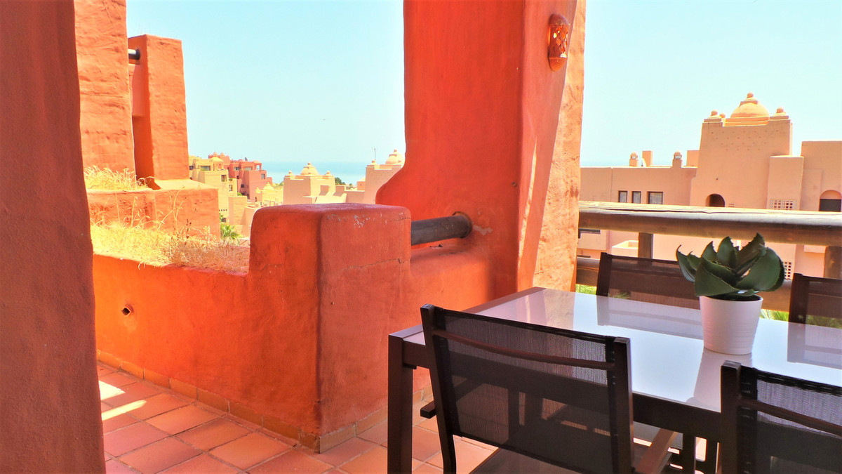 Magnificent opportunity!!, absolutely beautiful apartment new to the maket, located in a enclosed co,Spain