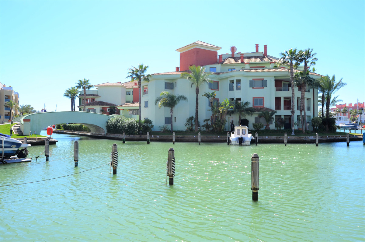 MAGNIFICENT DUPLEX PENTHOUSE in THE PRESTIGIOUS URBANIZATION OF SOTOGRANDE, with direct acces to the,Spain