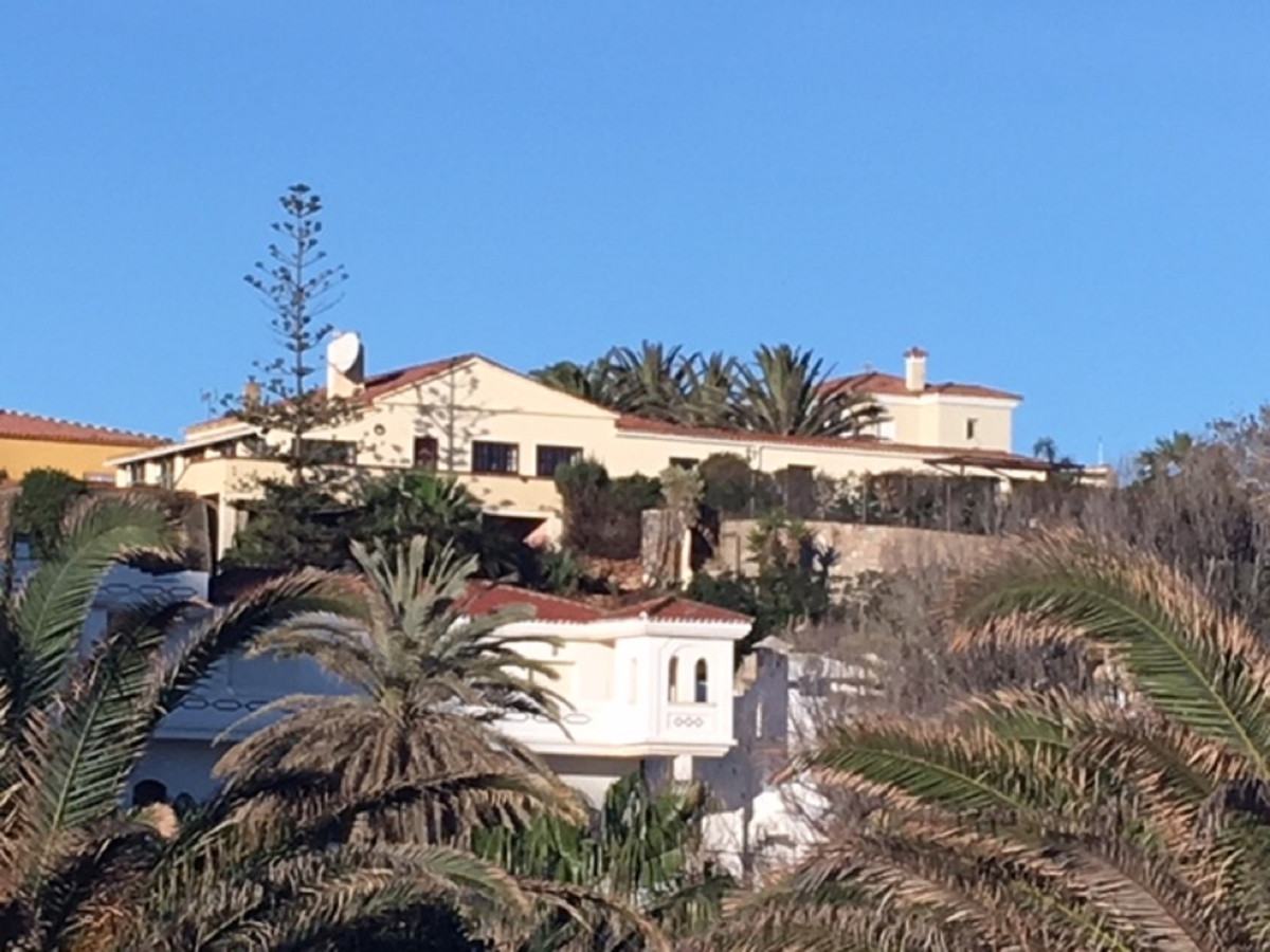 MAGNIFICIENT VILLA WITH AMAZING VIEWS to the Mediterranean Sea, Sotogrande, Gibraltar and Africa, wi,Spain