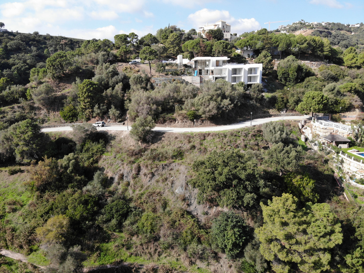 PLOT OF LAND WITH POSSIBILITY OF PROJECT of a MODERN CONTEMPORARY VILLA. With a surface of 2.400m2 a,Spain
