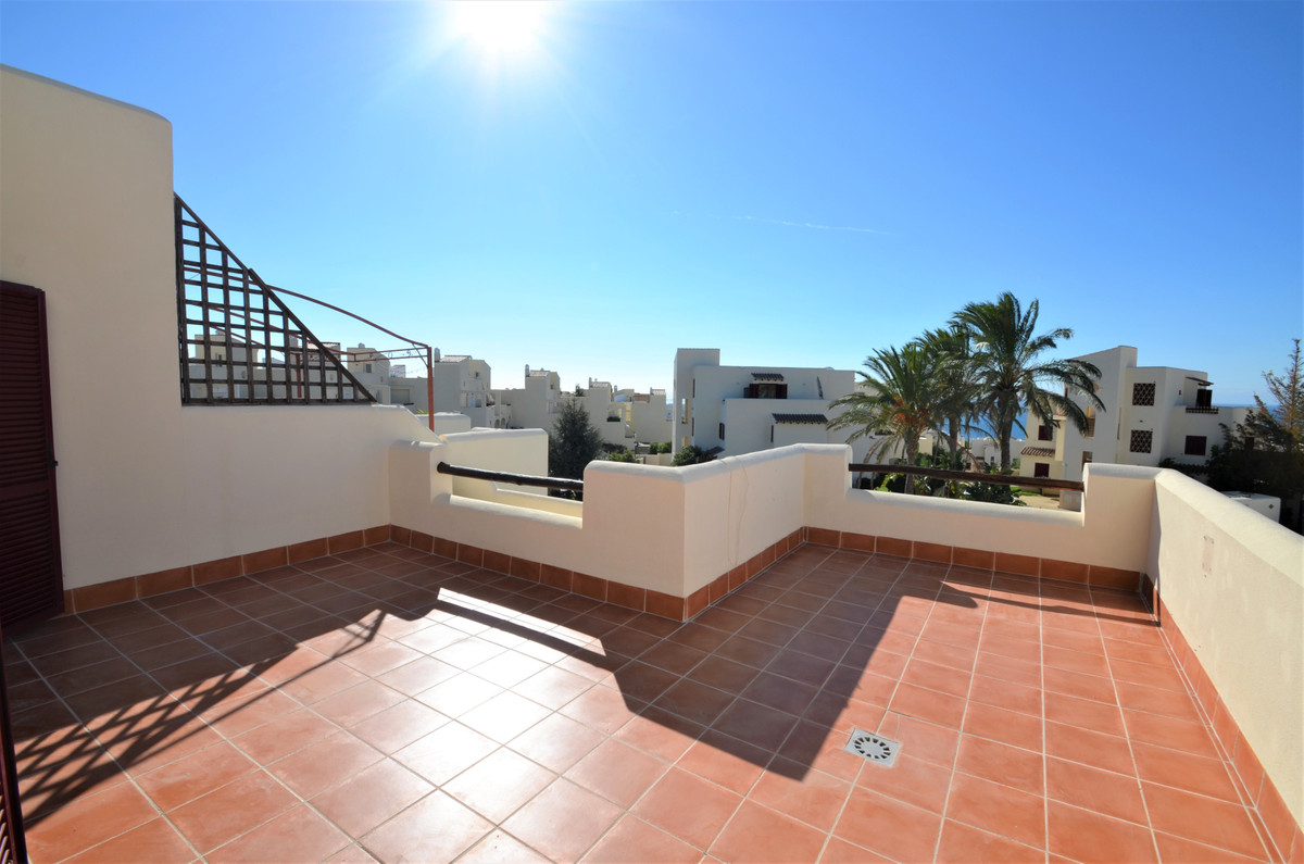CASARES BEACH, Magnificent 3 bed DUPLEX PENTHOUSE with AMAZING VIEWS TO THE SEA and to the mountains, Spain