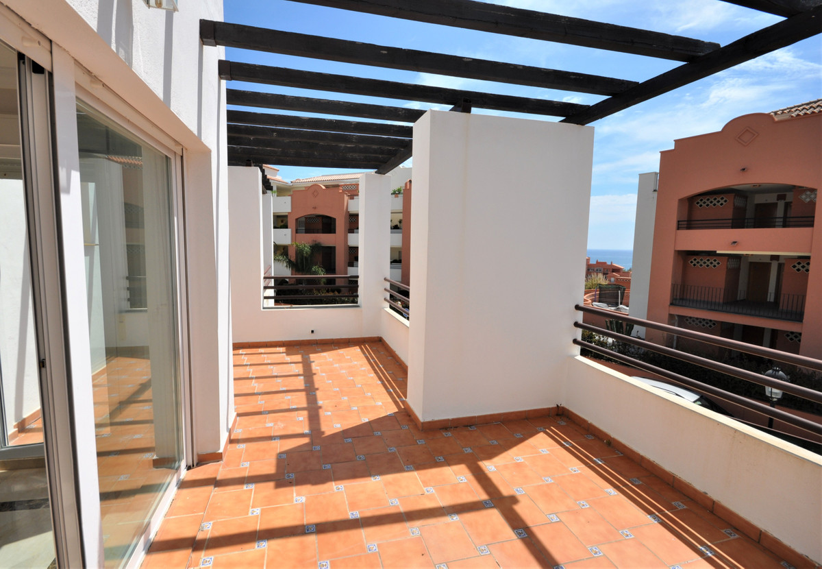 Magnificent Penthouse, with sea views, located just 600 meters from the beach and 300 from bars and , Spain