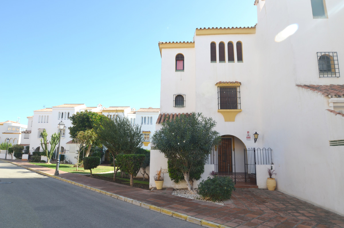 BEAUTIFUL SEMI-DETACHED TOWNHOUSE  located in the area of Casares Beach, at only 3 minutes walkings ,Spain
