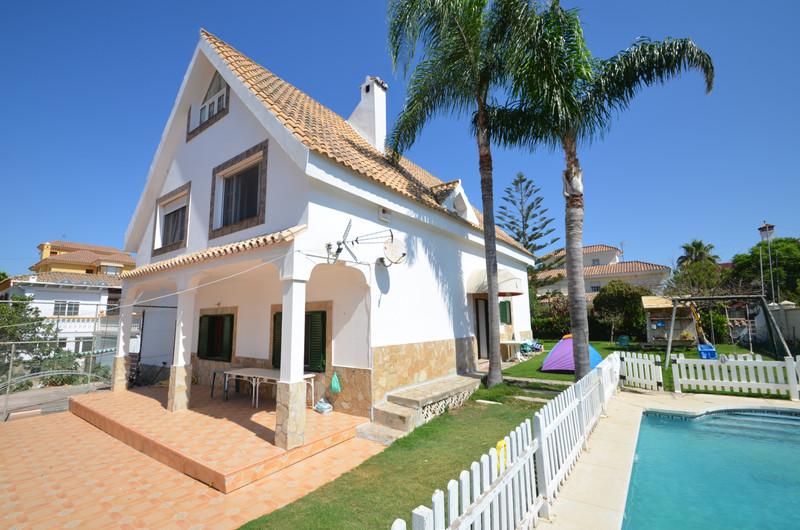 Villa – Chalet en venta en San Luis de Sabinillas – R2378504