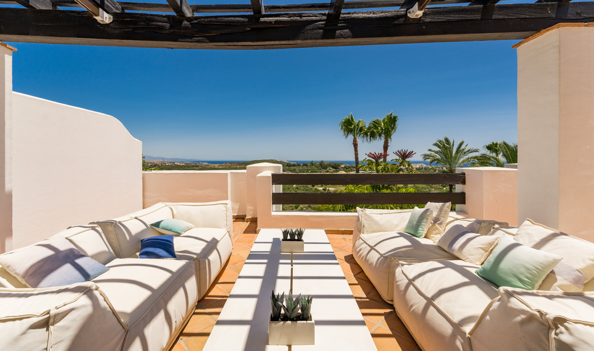 Marvelous contemporary style penthouse aparment, located in one of the most exclusive residential ar,Spain
