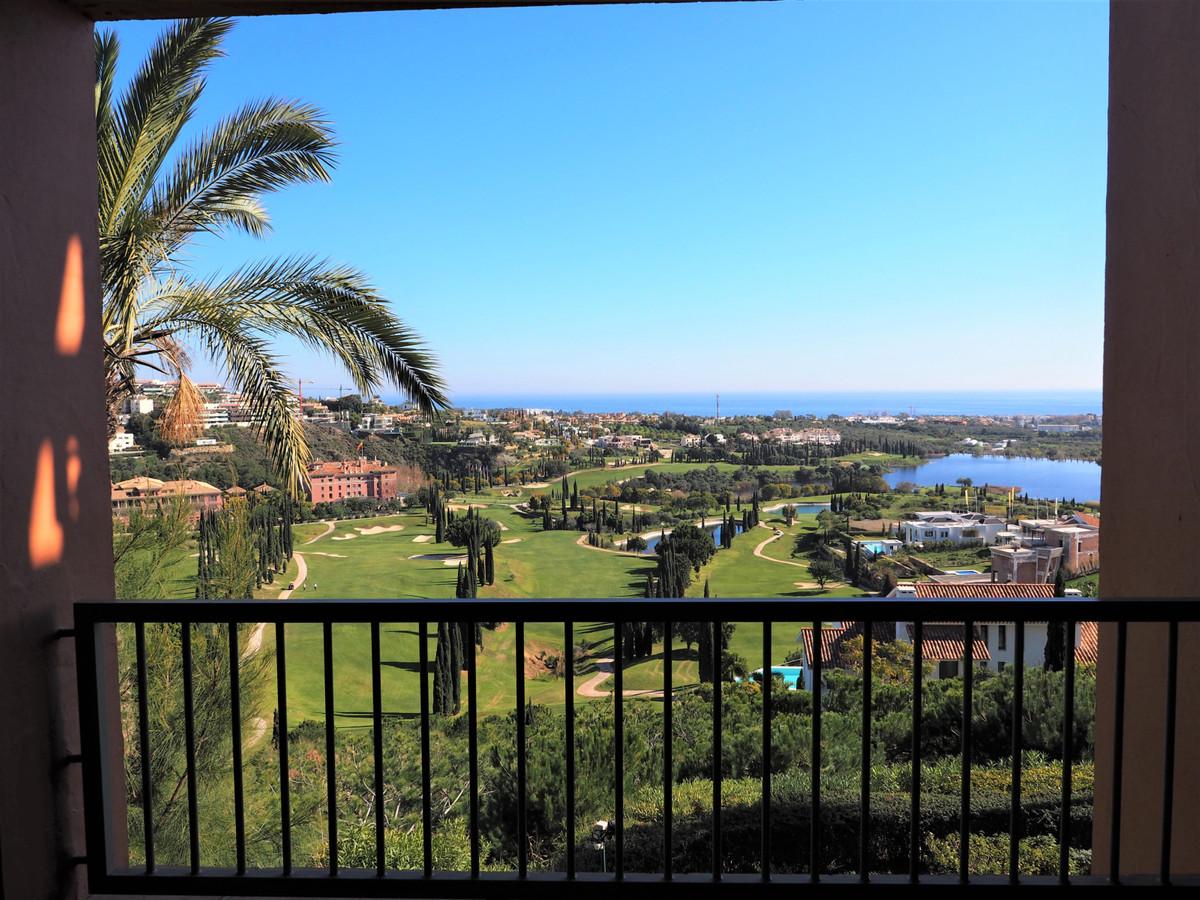 Marbella Banus Apartamento Planta Media en Venta en Los Flamingos – R3610331