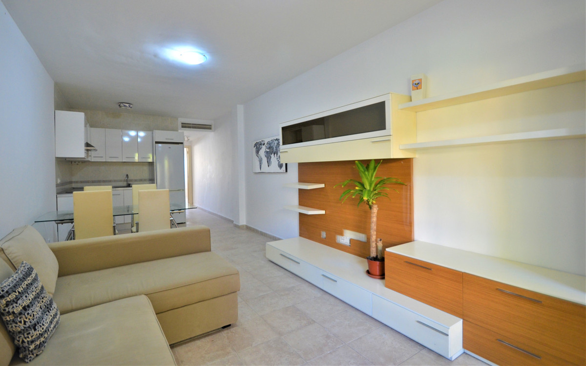 R3619763 | Ground Floor Apartment in Estepona – € 103,000 – 1 beds, 1 baths