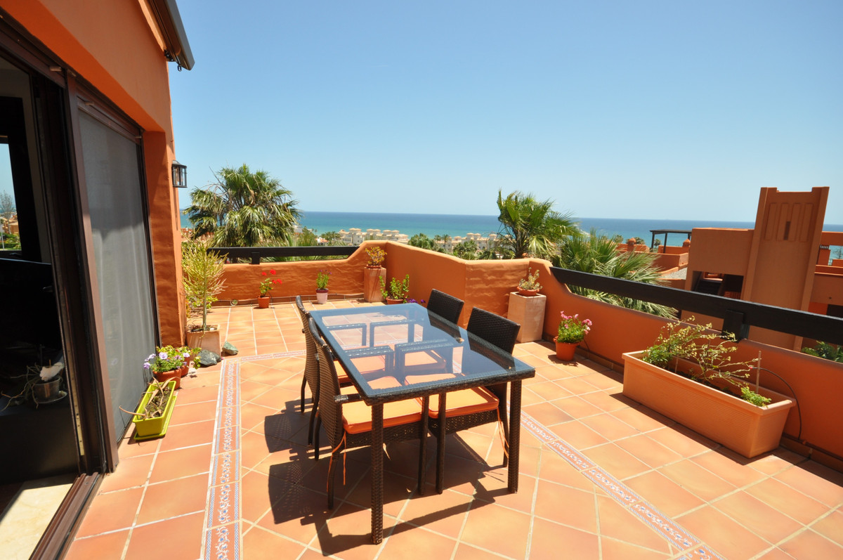 Penthouse for sale in Estepona R3645863