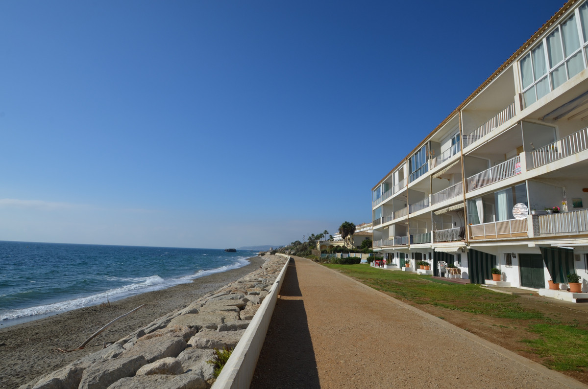 AMAZING FRONT LINE BEACH one bedroom apartment in Estepona, with excellent terrace that offers spect, Spain