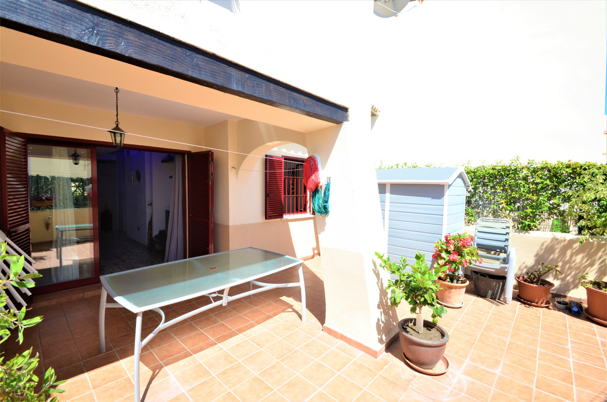 CASARES BEACH, Beautiful ground floor apartment private terrace communal swimming pool, south facing, Spain