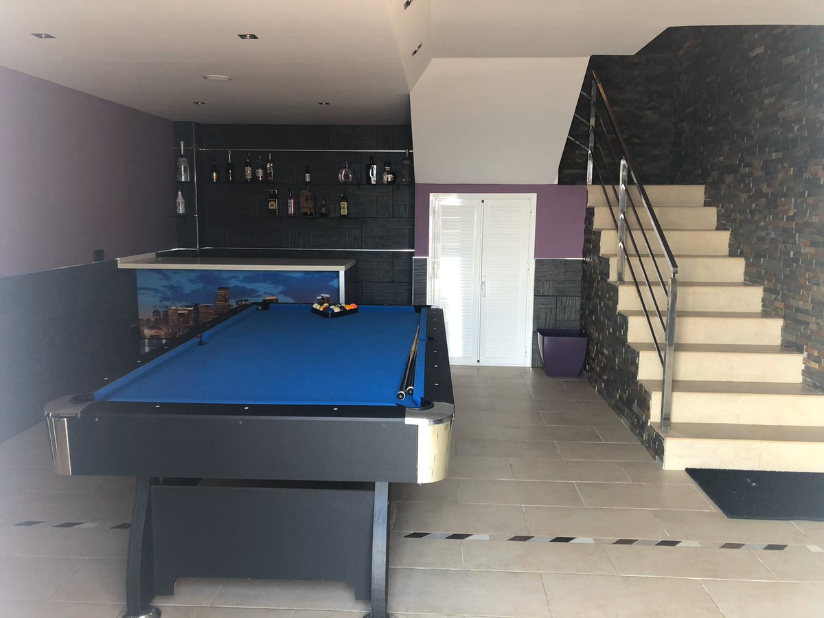House in Algeciras R3640169 25