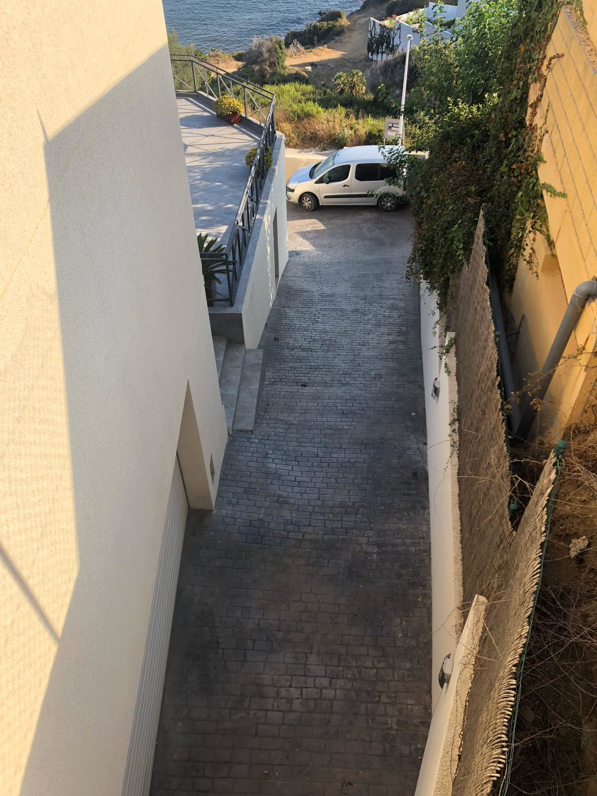 House in Algeciras R3640169 31