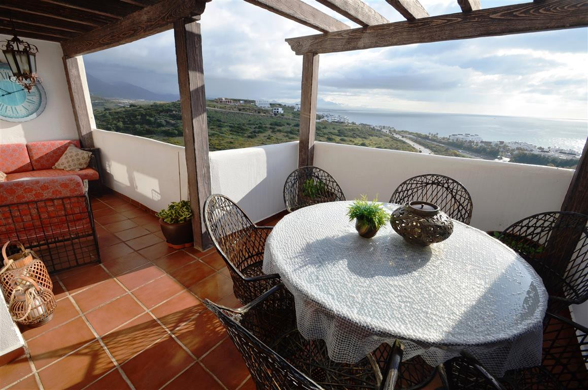 Fantastic duplex penthouse apartment in the Casares coast, located only 200m from a magnificent beac, Spain