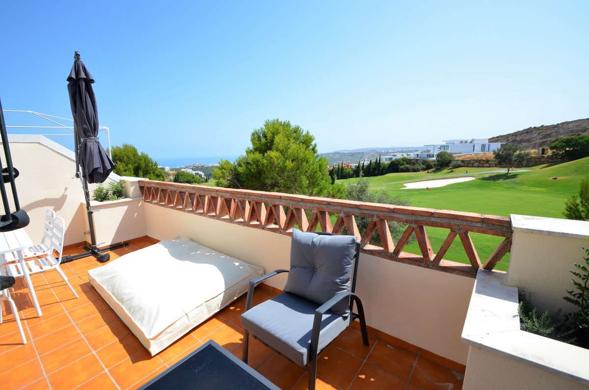 Magnificent FRONT LINE GOLF PENTHOUSE apartment with AMAZING PANORAMIC VIEWS TO THE SEA AND GOLF fro, Spain
