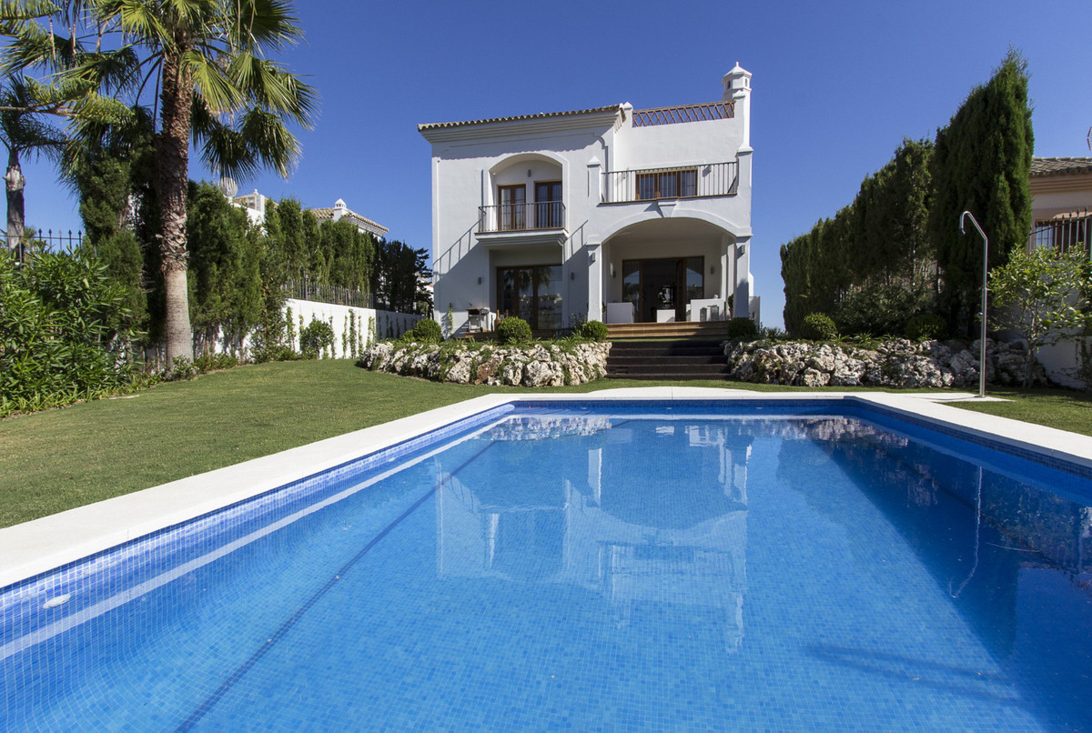 Mediterranean style Villa in an exclusive residential area and Golf Country Club environment, overlo,Spain