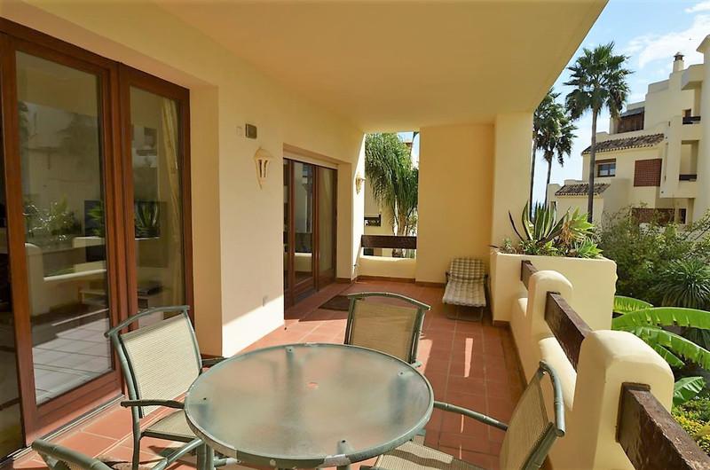 Apartamento Planta Media en venta, Estepona – R2791064