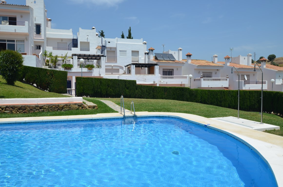Magnificent town house  in excellent condition , really spacious,  Very private, large terrace and  , Spain