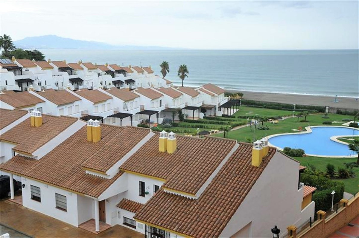 Ref:R142629 Townhouse For Sale in Manilva