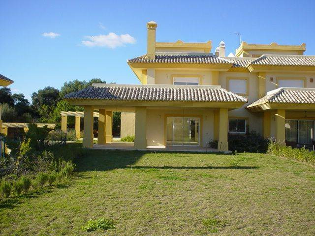 Magnificent detached villa in San Roque Club close to the golf course and equestrian centre, built t, Spain