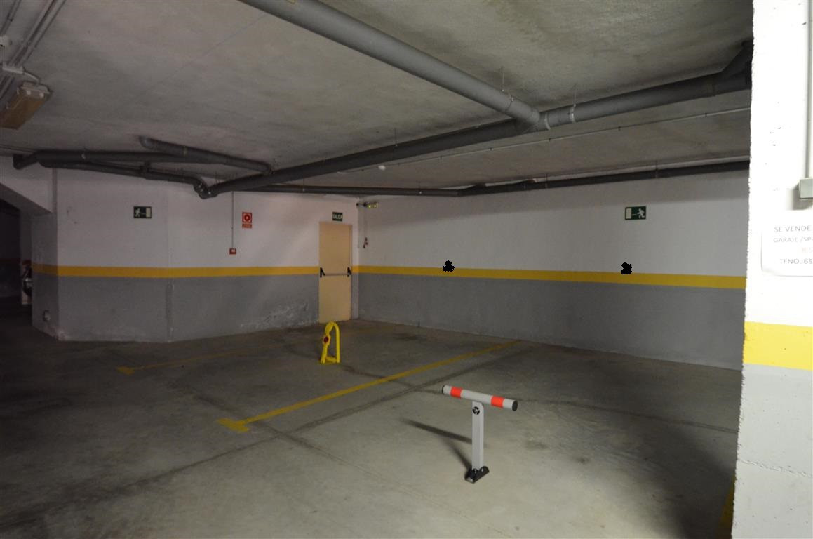 0 Bedroom Parking Space Commercial For Sale Estepona