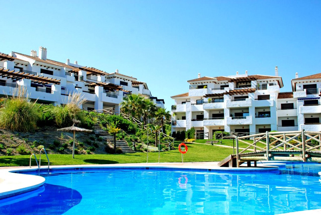 Beautifull large apartment located in Alcaidesa, prestigious area between Sotogrande and Gibraltar w, Spain