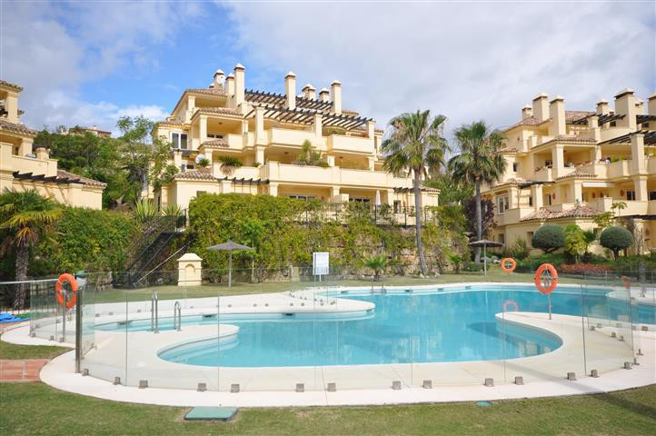 Fantastic quality PENTHOUSE APARTMENT with excellent qualities, nice marble floors, bathrooms, and k,Spain
