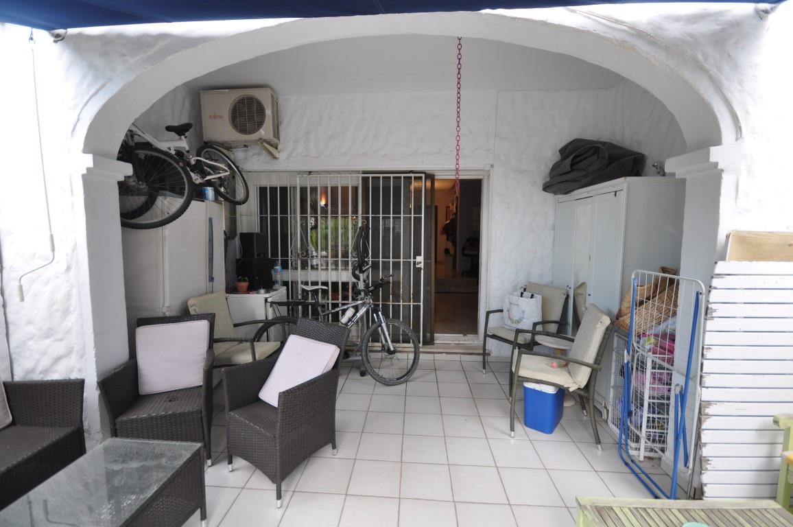 R3249931   Semi-Detached House in Estepona – € 282,000 – 2 beds, 2.5 baths