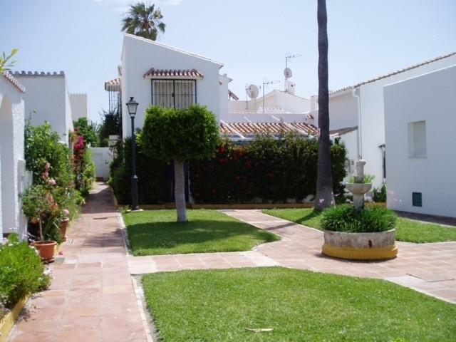 Rækkehus Til salg i Estepona R3024671