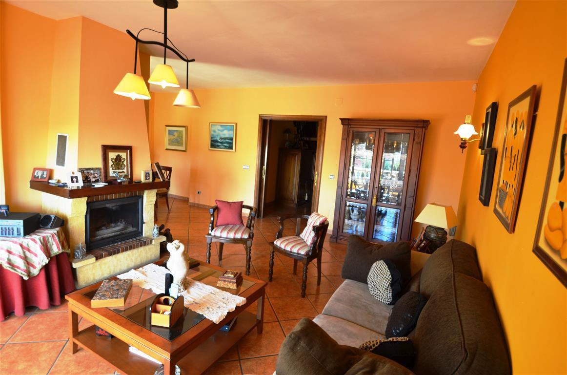 6 Dormitorio Unifamiliar en venta Estepona