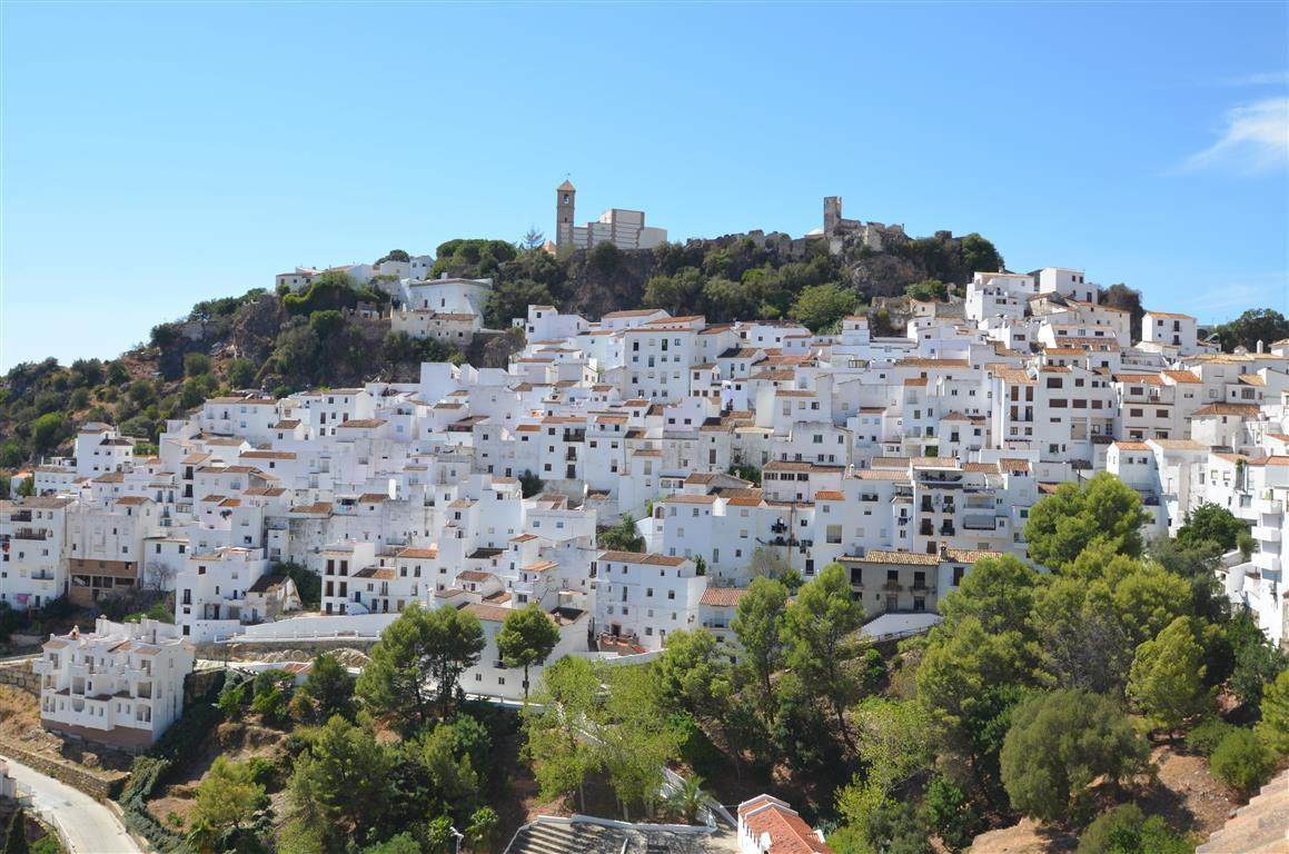 Apartment in a center of Casares with nice views over the village. House with 1 floors, with 100 m² ,Spain