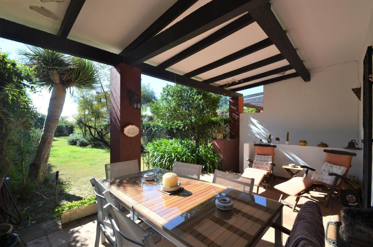Cozy detached villa situated near a golf complex in Pueblo Nuevo de Guadiaro. South facing with nice,Spain