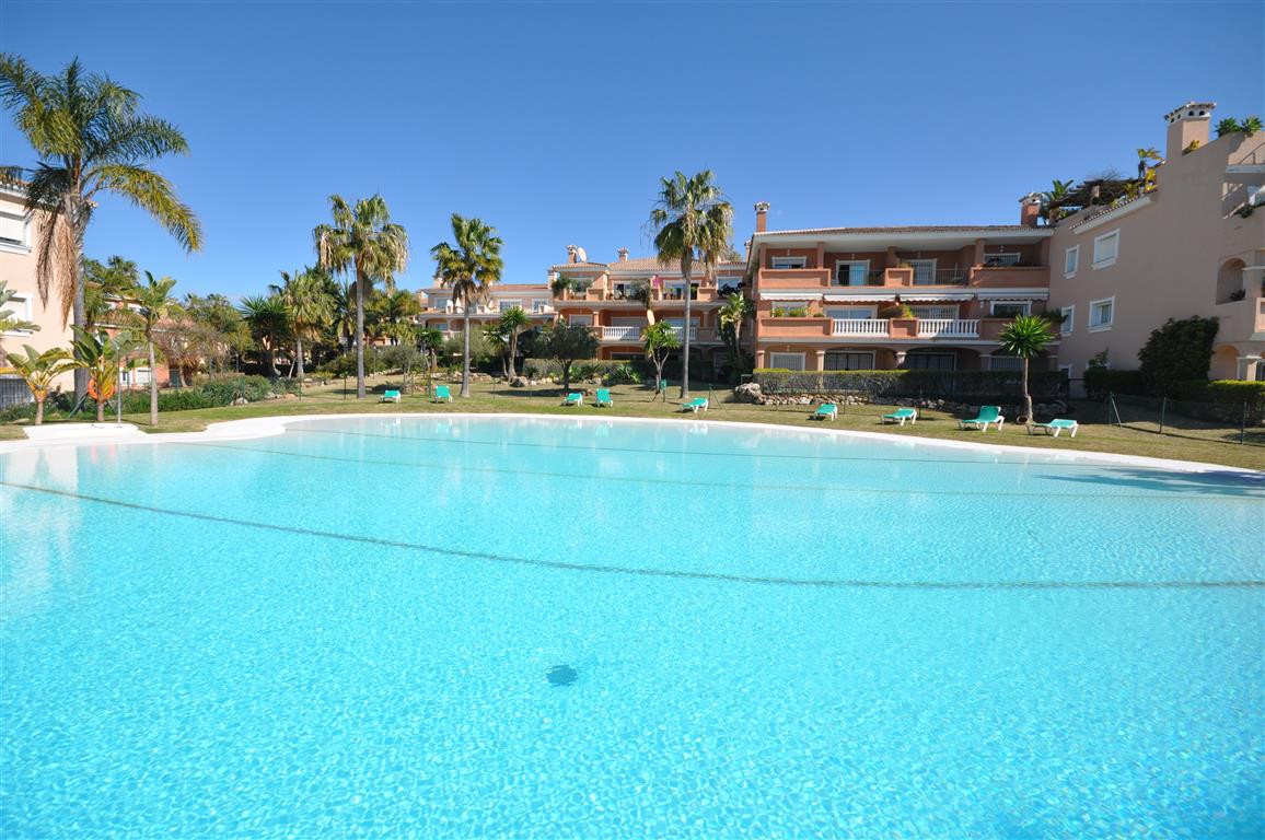 Beautiful and bright middle floor apartment with large terrace, built and equipped using high qualit,Spain