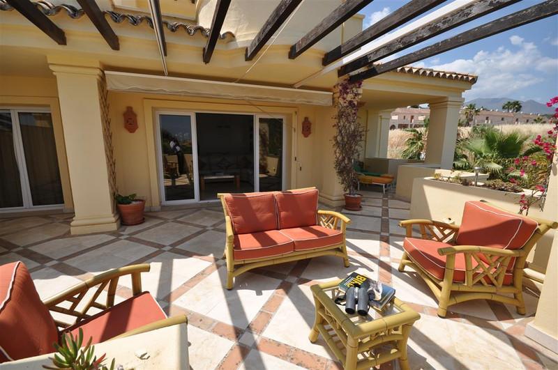 Marbella Banus Apartamento Planta Media en venta en Casares Playa – R3201406