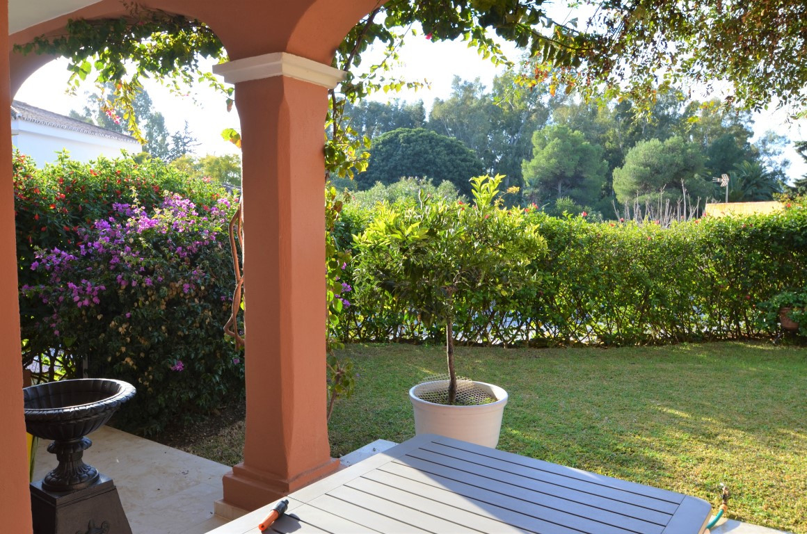Ground Floor Apartment for sale in Estepona